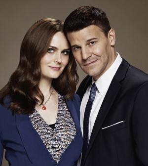 Booth e Brennan in una still promozionale dell'undicesima stagione di Bones