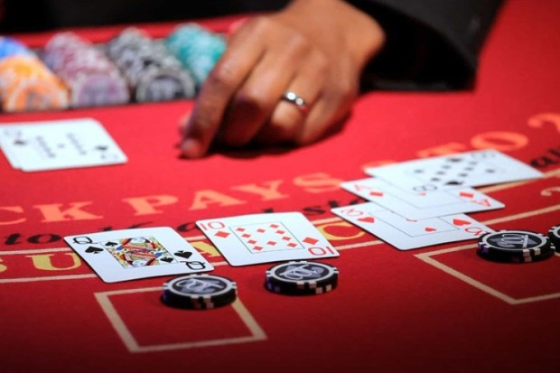 4-8 China to Criminalise Overseas Gambling Operations Luring Chinese Gamblers to Overseas Casinos