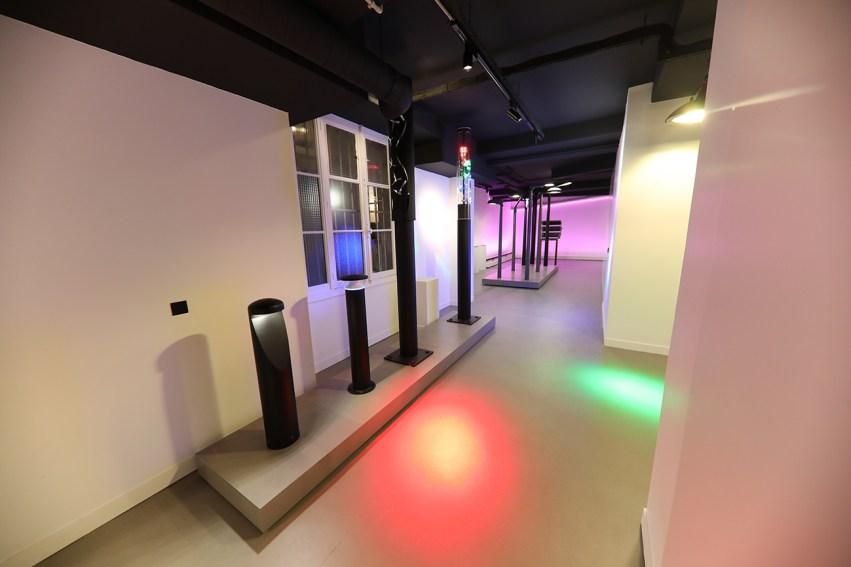 Im neuen Lichtzentrum präsentiert die Zumtobel Group in unterschiedlichen Ausstellungsbereichen die Kompetenz der starken Marken Zumtobel und Thorn. (Bild: Zumtobel)