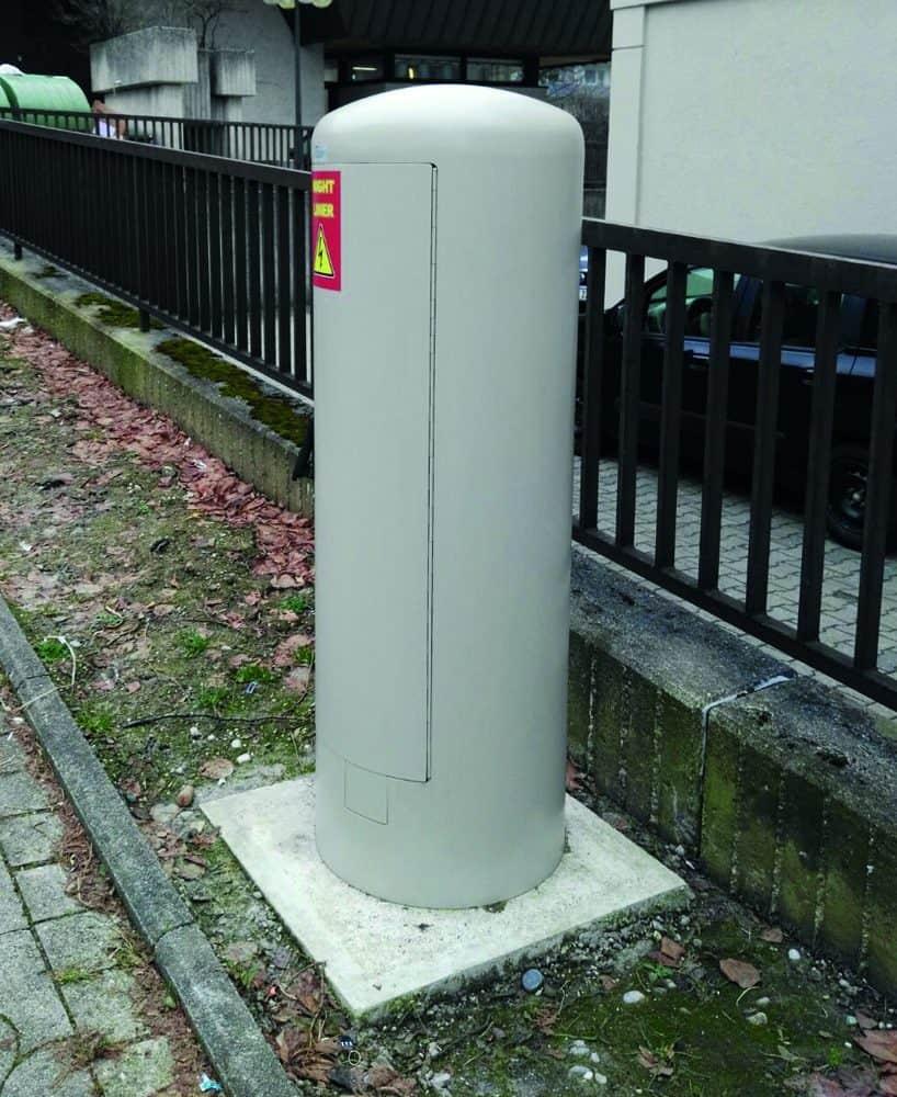Rondo 500 – der Energiepoller im Einsatz (geschlossen). (Bild: GIFAS ELECTRIC Gesellschaft m.b.H)