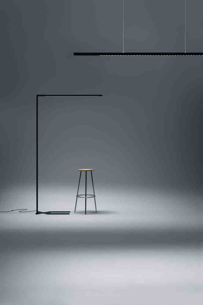 Die Pendelleuchte Linetik von Zumtobel ist kompromisslos: Maximaler Lichtkomfort trifft in Bezug auf Material- und Ressourcen-Einsatz auf asketischen Minimalismus. (Bild: Zumtobel)