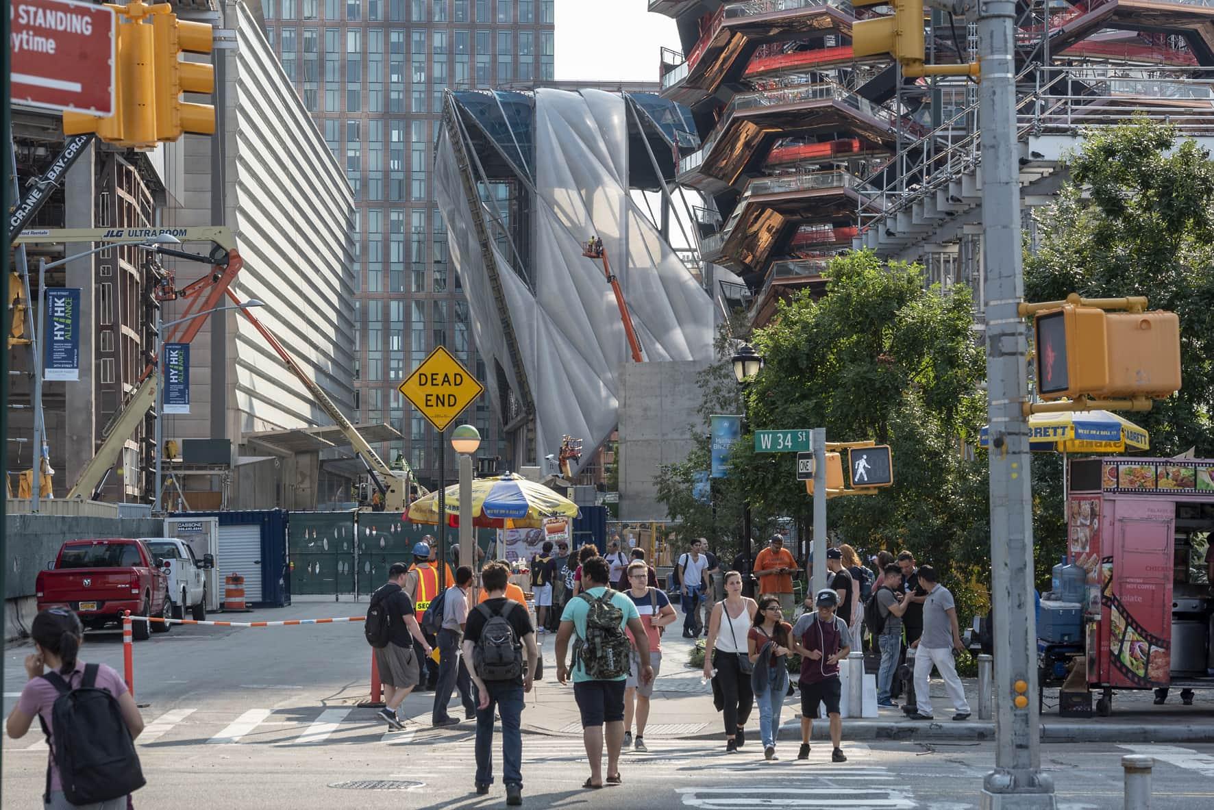 Mit diesem Projekt hat man Raum für Performances und Kunst in New Yorks neuer Nachbarschaft geschaffen. (Bild: Timothy Schenck)