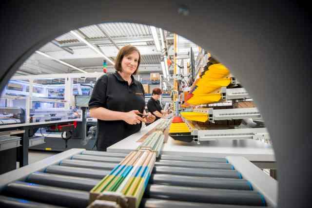Weidmüller Fast Delivery Service - individuelle, einbaufertig assemblierte Klemmenleisten sowie unbestückte oder bestückte Leergehäuse. (Bild: Weidmüller GmbH)