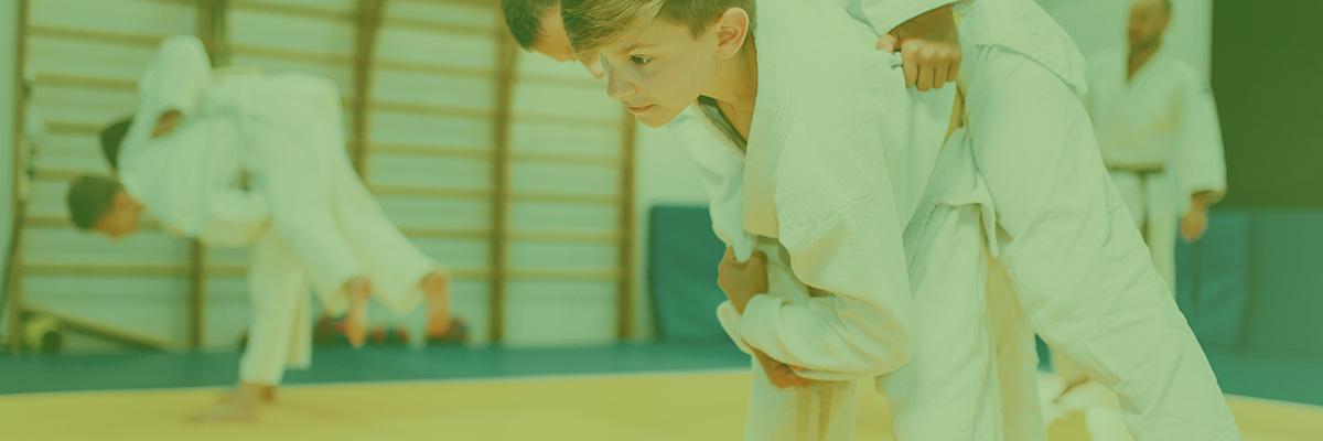 imagen niño haciendo judo