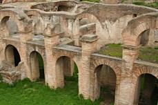 1094 Ostia - Caseggiato degli Aurighi - Blick in den Hof (Raum 11) Ri Osten