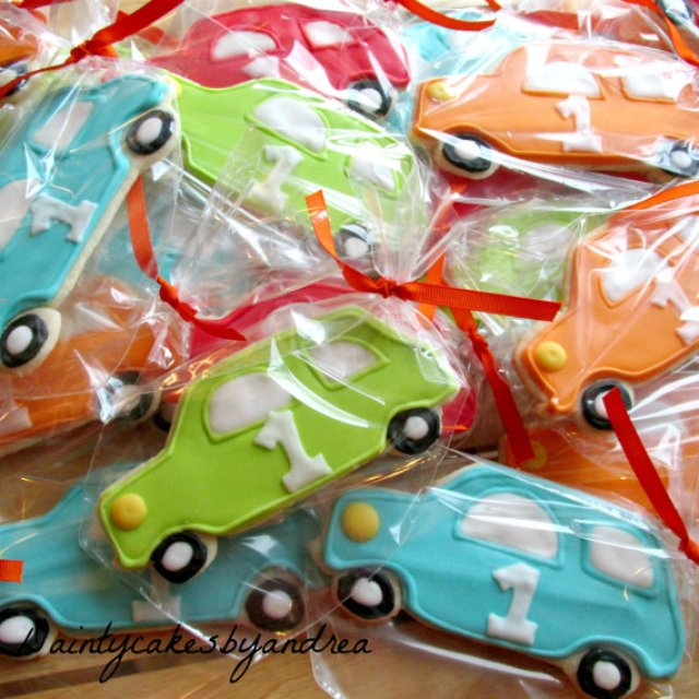 I Adore What I Love Blog // Brodys First Birthday Party THE DETAILS // Car Cooks 2 by DaintyCakesbyAndrea // www.iadorewhatilove.com #iadorewhatilove