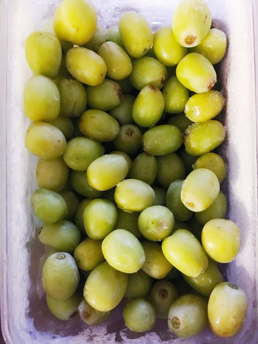 I Adore What I Love Blog // Weekly Wins #5 // Frozen Grapes // www.iadorewhatilove.com #iadorewhatilove