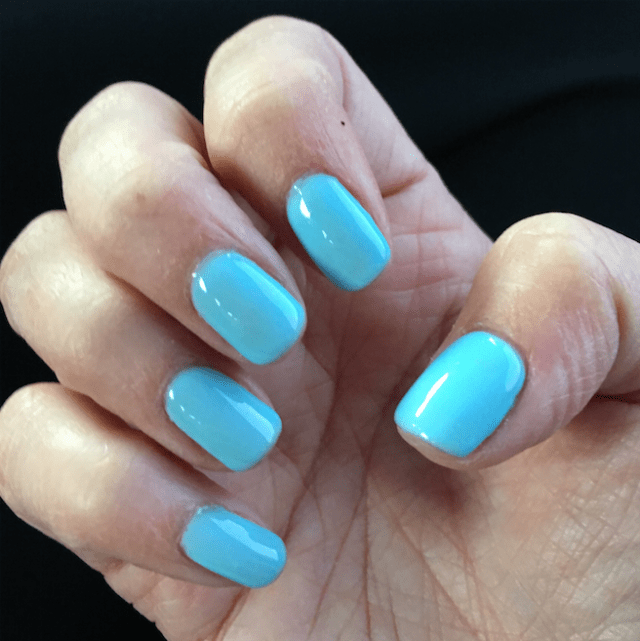 I Adore What I Love Blog // WEEKLY WINS #16 // Blue Nails //www.iadorewhatilove.com #iadorewhatilove
