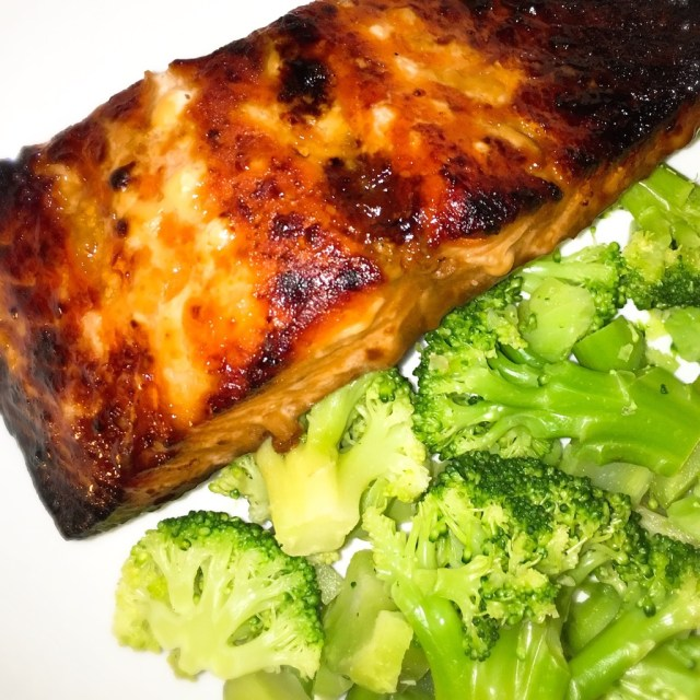 I Adore What I Love Blog // WEEKLY WINS #18 // Honey BBQ Salmon // www.iadorewhatilove.com #iadorewhatilove