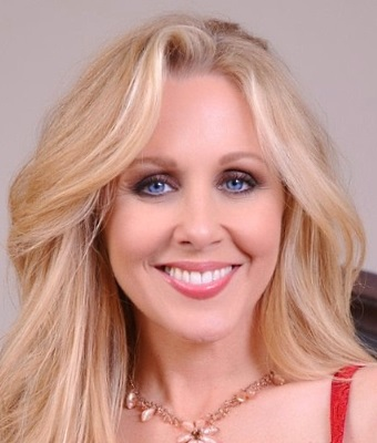 Headshot of Julia Ann