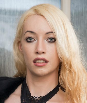 Headshot of Sasha de Sade