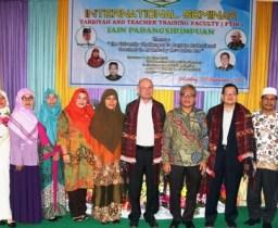 FTIK Gelar Seminar Internasional Bertajuk Guru Profesional di Era Industri 4.0