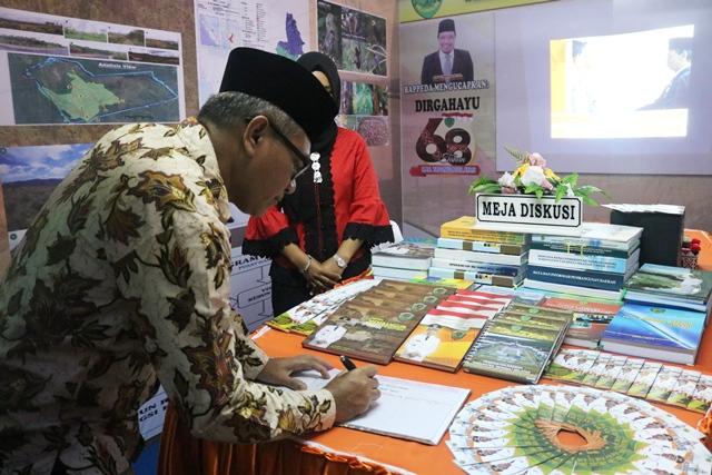 Rektor IAIN Padangdimpuan Menghadiri Pameran Pembangunan Pemerintah Kabupaten Tapanuli Selatan ke-68