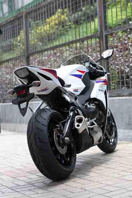 2012 Honda CBR1000RR 17