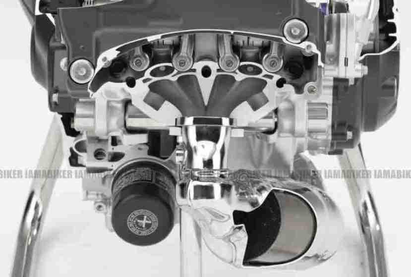 Honda Integra 700 superscooter 02