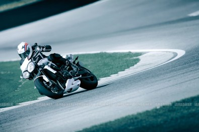 Triumph Speed triple 2012 08 IAMABIKER