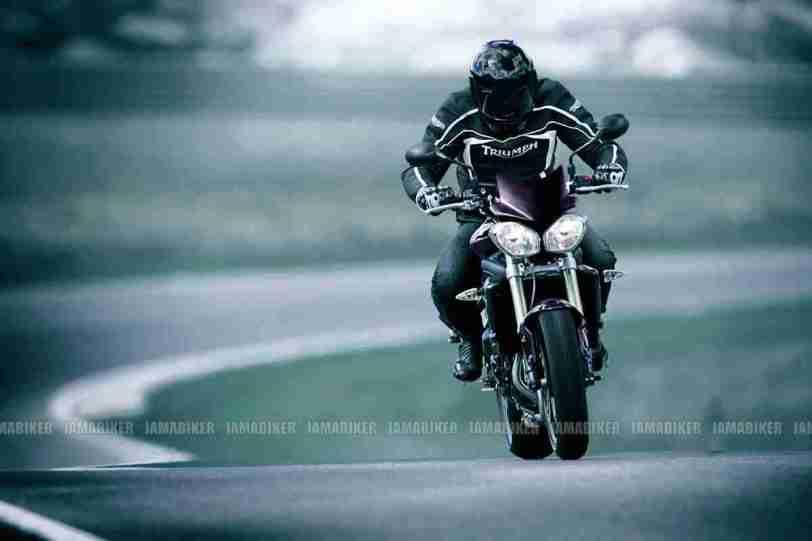 Triumph Speed triple 2012 10 IAMABIKER