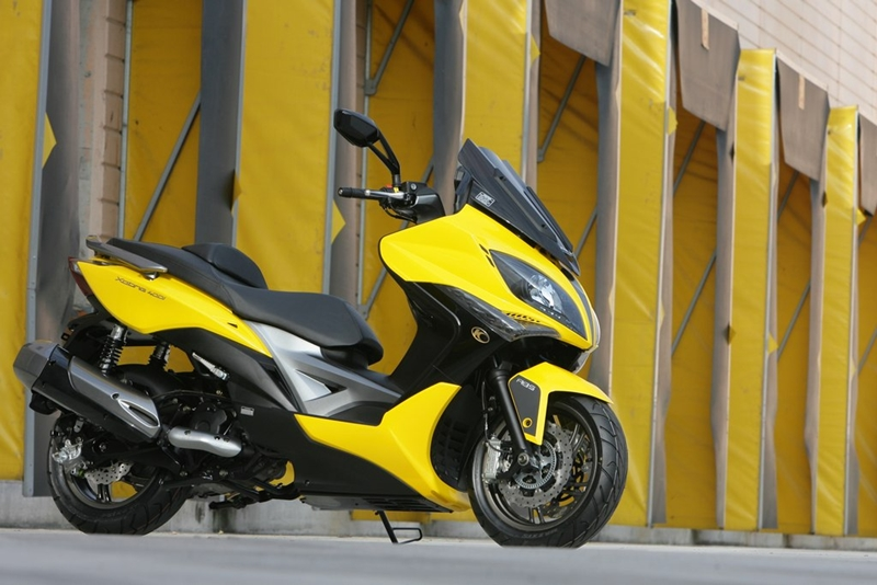 KYMCO Xciting 400i for 2012 06 IAMABIKER