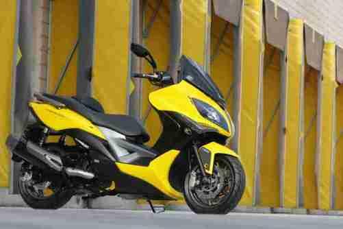 KYMCO Xciting 400i for 2012 06 IAMABIKER
