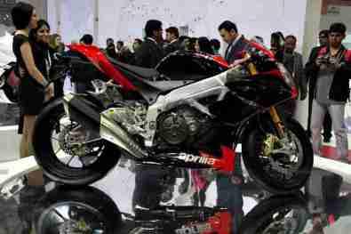 Aprilia - Piaggio Auto Expo 2012 India 08