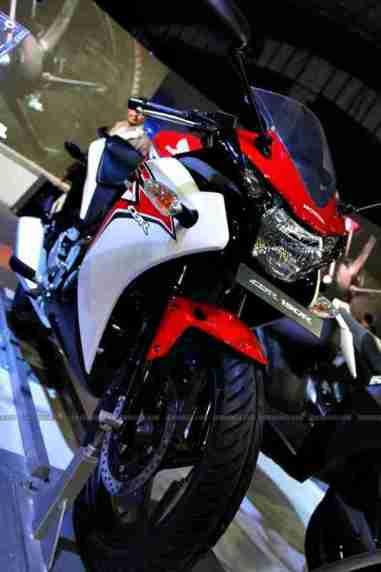 CBR 150R Auto Expo 2012