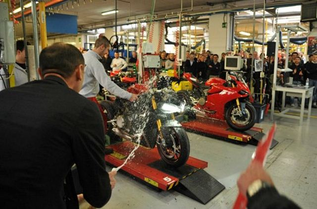 Ducati Panigale 1199 production begins Bologna