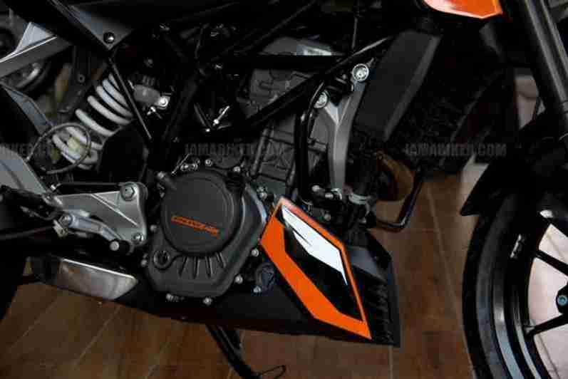 KTM Duke 200 04