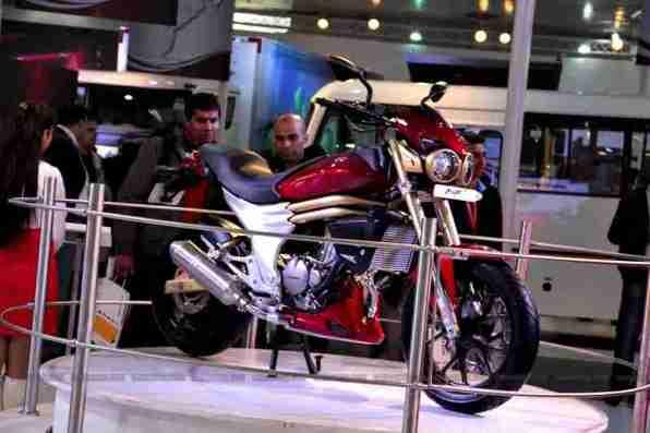 Mahindra 2 wheelers Auto Expo 2012 02