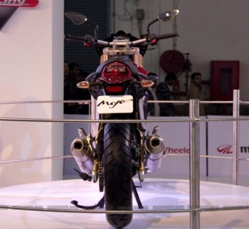 Mahindra 2 wheelers Auto Expo 2012 04