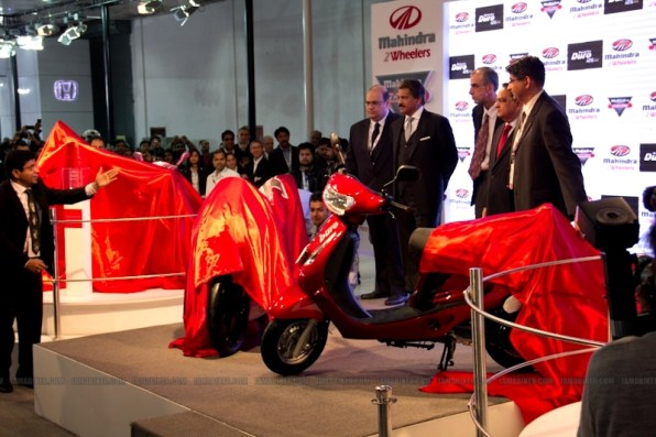 Mahindra 2 wheelers Auto Expo 2012 05