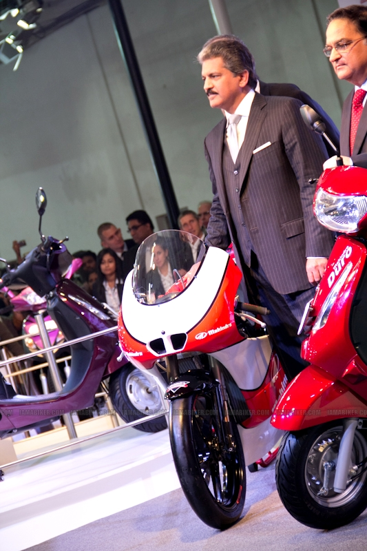 Mahindra 2 wheelers Auto Expo 2012 08
