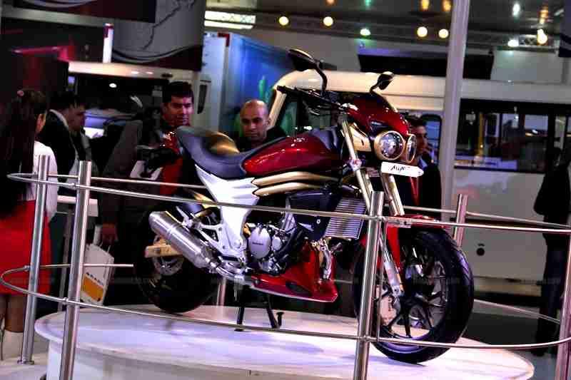 Mahindra 2 wheelers Auto Expo 2012 India 02