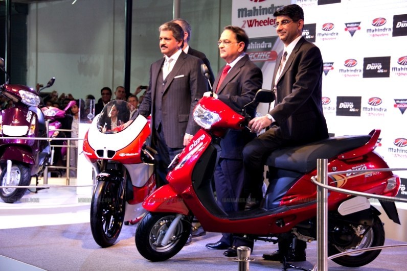 Mahindra 2 wheelers Auto Expo 2012 India 07