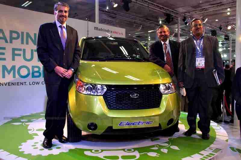 Mahindra 2 wheelers Auto Expo 2012 India 31
