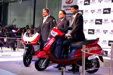 Mahindra 2 wheelers Auto Expo 2012 India 41