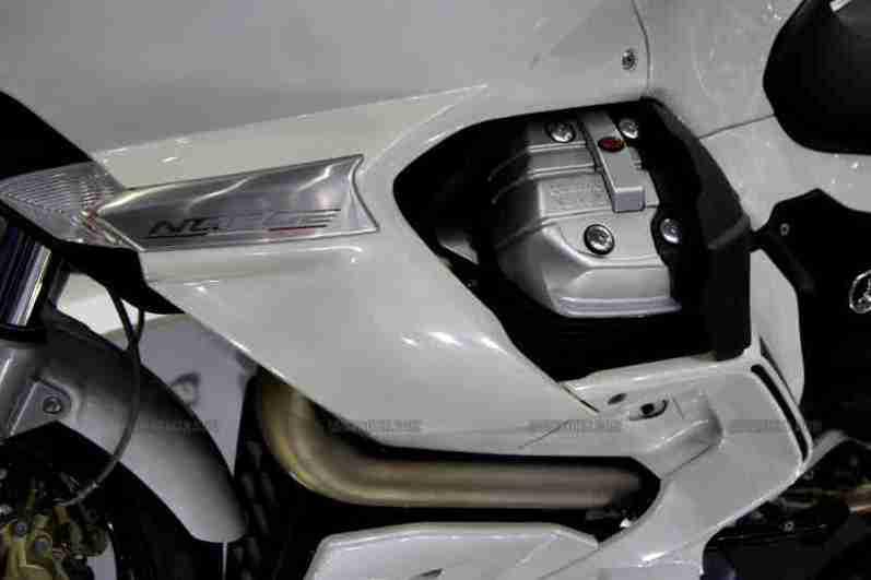 Moto Guzzi - Piaggio Auto Expo 2012 India 10