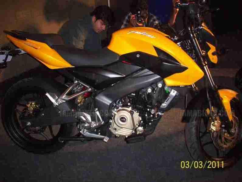 Pulsar 200 NS 2012