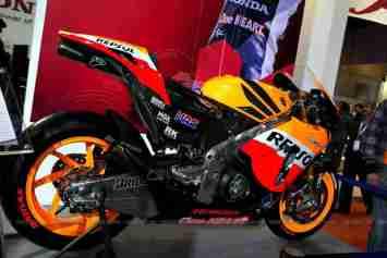 Repsol Honda RC212V Auto Expo 2012 02