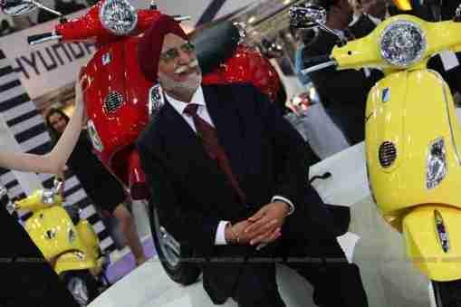 Vespa - Piaggio Auto Expo 2012 India 03