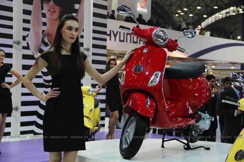 Vespa - Piaggio Auto Expo 2012 India 07