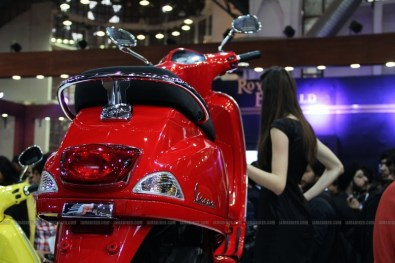 Vespa - Piaggio Auto Expo 2012 India 10