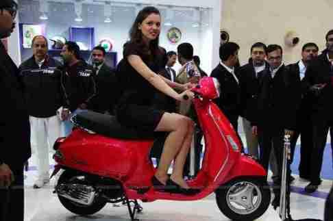 Vespa - Piaggio Auto Expo 2012 India 15
