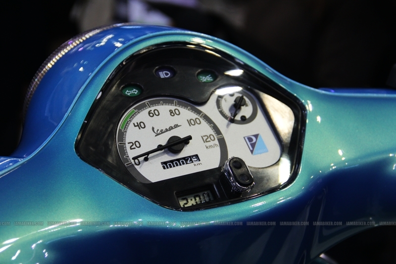 Vespa - Piaggio Auto Expo 2012 India 16