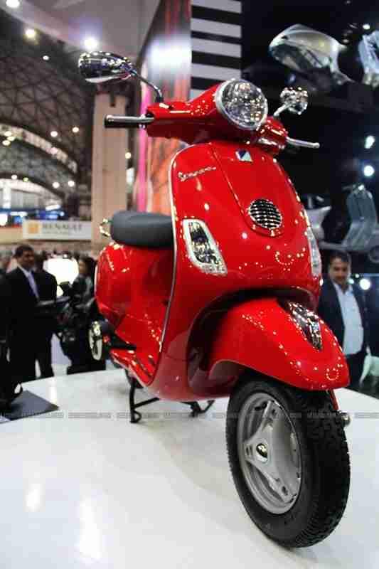 Vespa - Piaggio Auto Expo 2012 India 20
