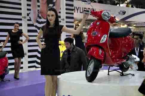 Vespa - Piaggio Auto Expo 2012 India 34