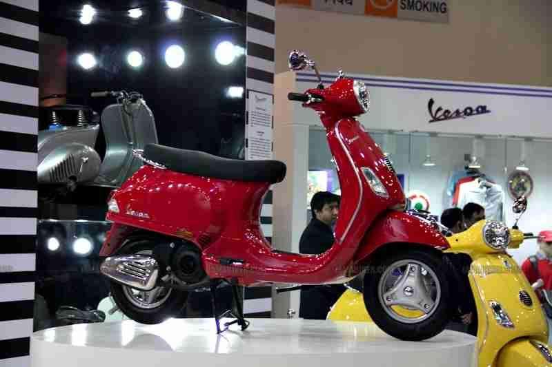 Vespa - Piaggio Auto Expo 2012 India 51