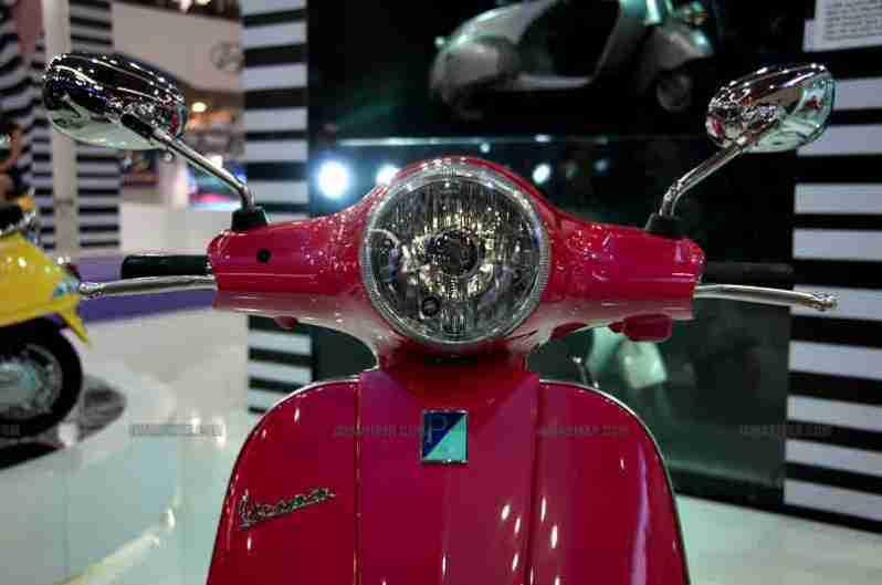 Vespa - Piaggio Auto Expo 2012 India 52