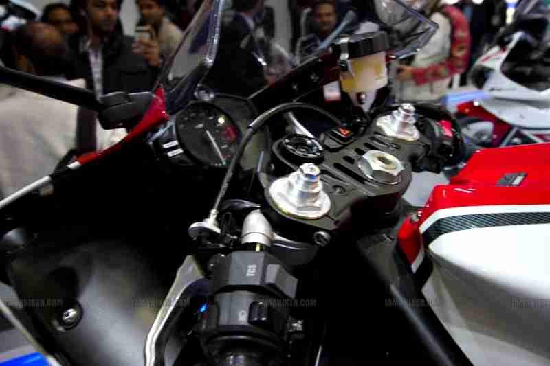 Yamaha Auto Expo 2012 India 05