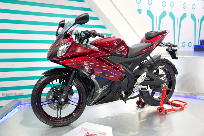 Yamaha R15 V 2.0 new colours red flame Auto Expo 2012 India 28