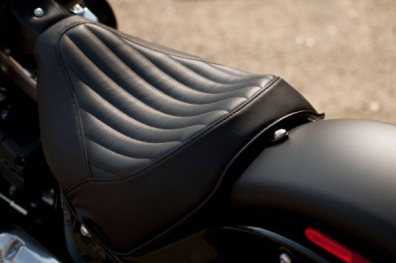 Harley Davidson Sportster Seventy-Two and Softail Slim 10
